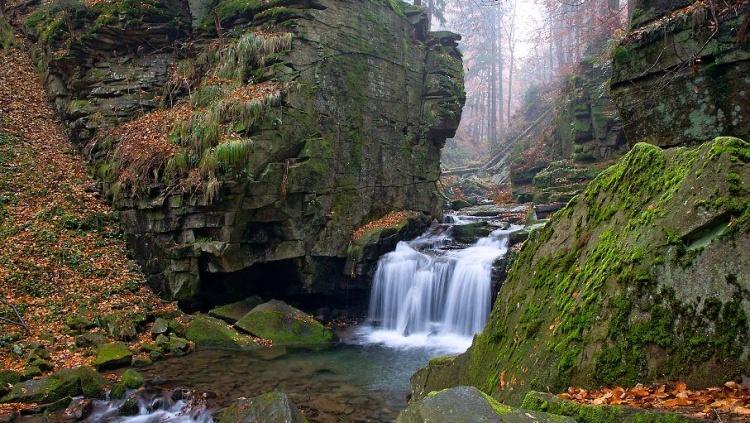 Satinské vodopády u Malenovic