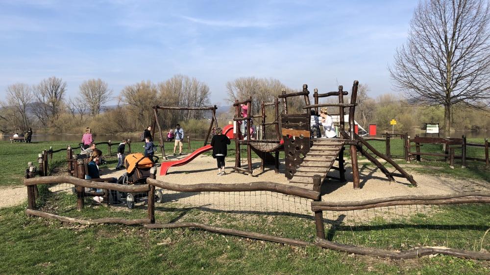 Park Osmička v Lovosicích láká k procházce na novou vyhlídku