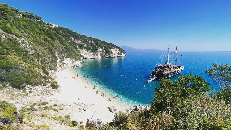 Nejkrásnější pláž na Zakynthosu je Xigia